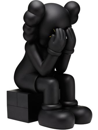 04_COMPANION_SEATED_BLACK_06_FLAT