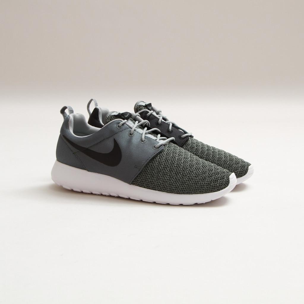 Nike Rosherun Premium Dark Mica Green-Black-White