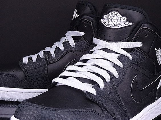 Air Jordan 1 86 black