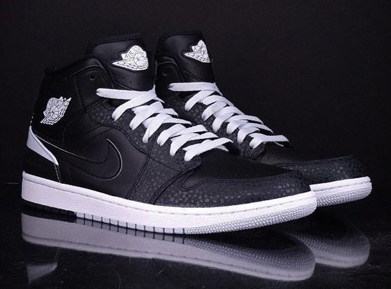 Air Jordan 1 86 blackwhite