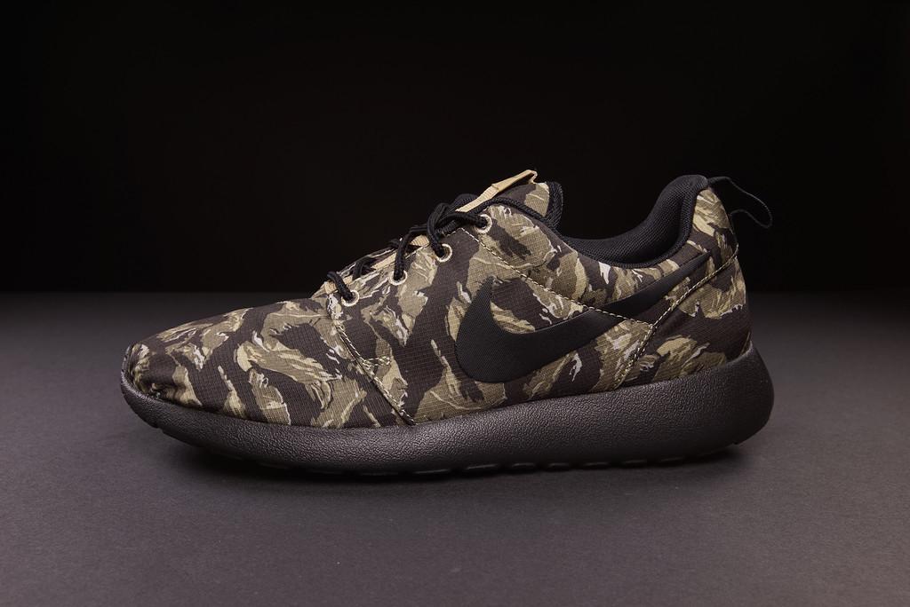 Nike Roshe Camo