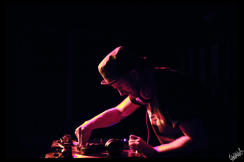 DJ Top To Bottom Festival