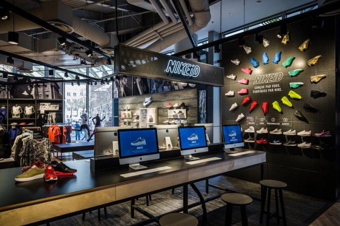 nike store forum des halles sneak art. Black Bedroom Furniture Sets. Home Design Ideas