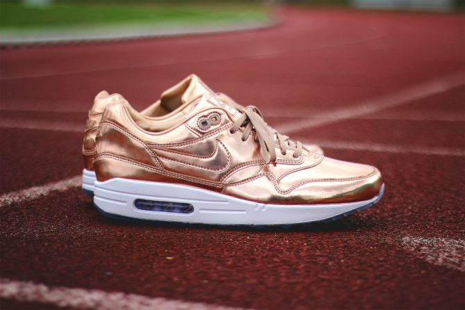 NIKEiD Air Max 1 Unlimited Glory Medal Collection