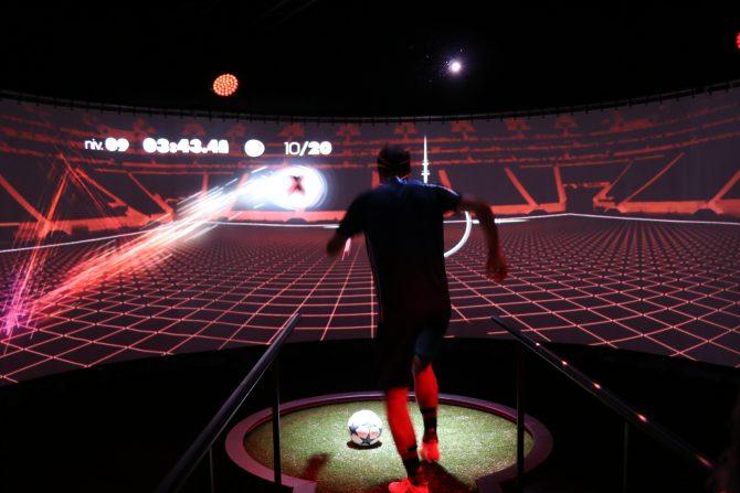 atelier de précision adidas X16 Stadium of Lights