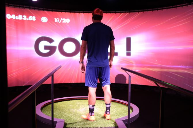 atelier de précision adidas X16 Suarez au Stadium of Lights
