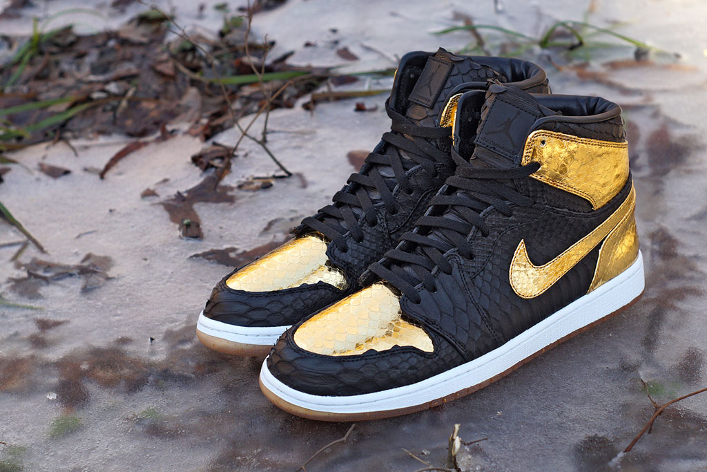 Nike-air-jordan-1-nye-jbf-customs