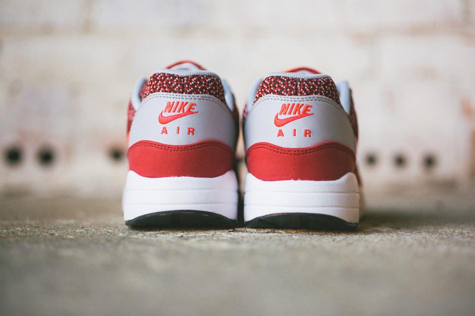 Nike-Air-Max-1-Jacquard-Laser-Crimson-visuel