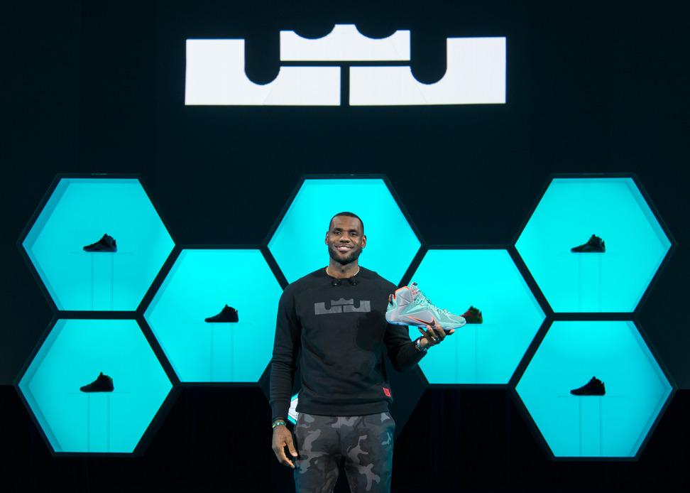 LeBron James dévoile la Nike LEBRON 12