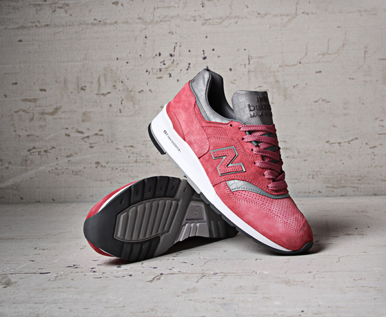 new balance 997 rose size 8