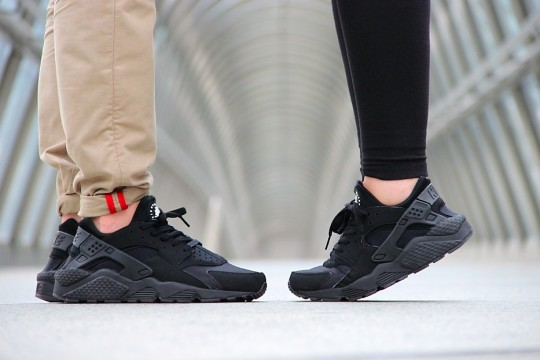 air huarache triple black