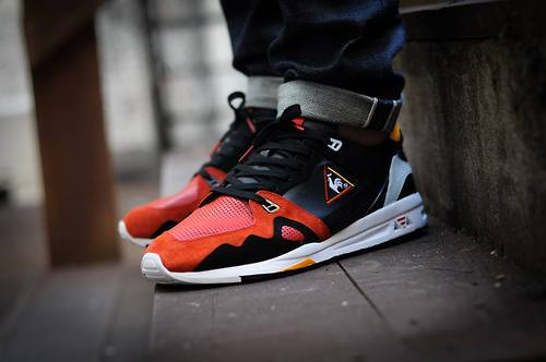 Highs and Lows x Le Coq Sportif R1000 'Black Swan'