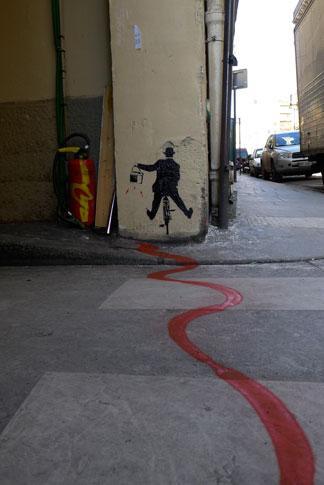 Nick-Walker-vandal-bike-Paris