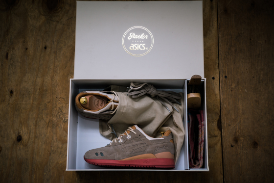 Packer Shoes x ASICS Gel Lyte III Dirty Buck10