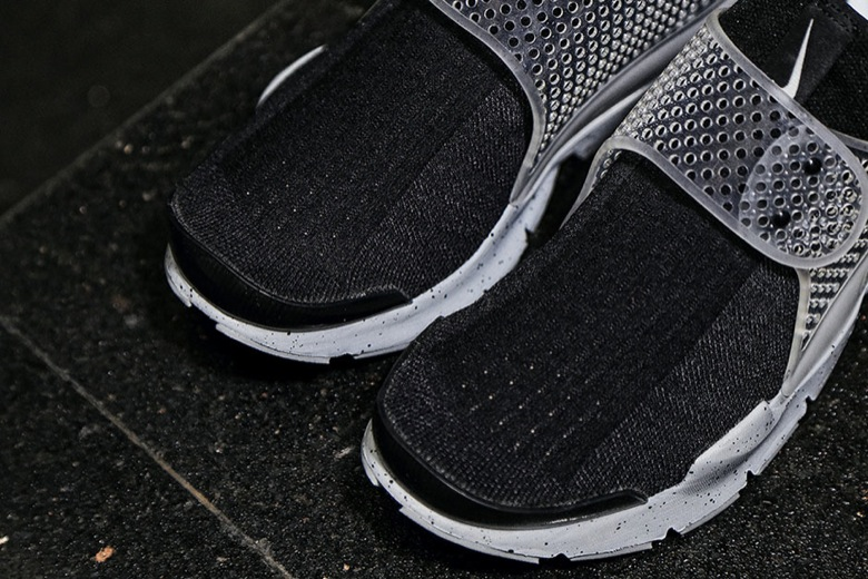 Nike X Fragment Design Sock Dart SP Oreo5
