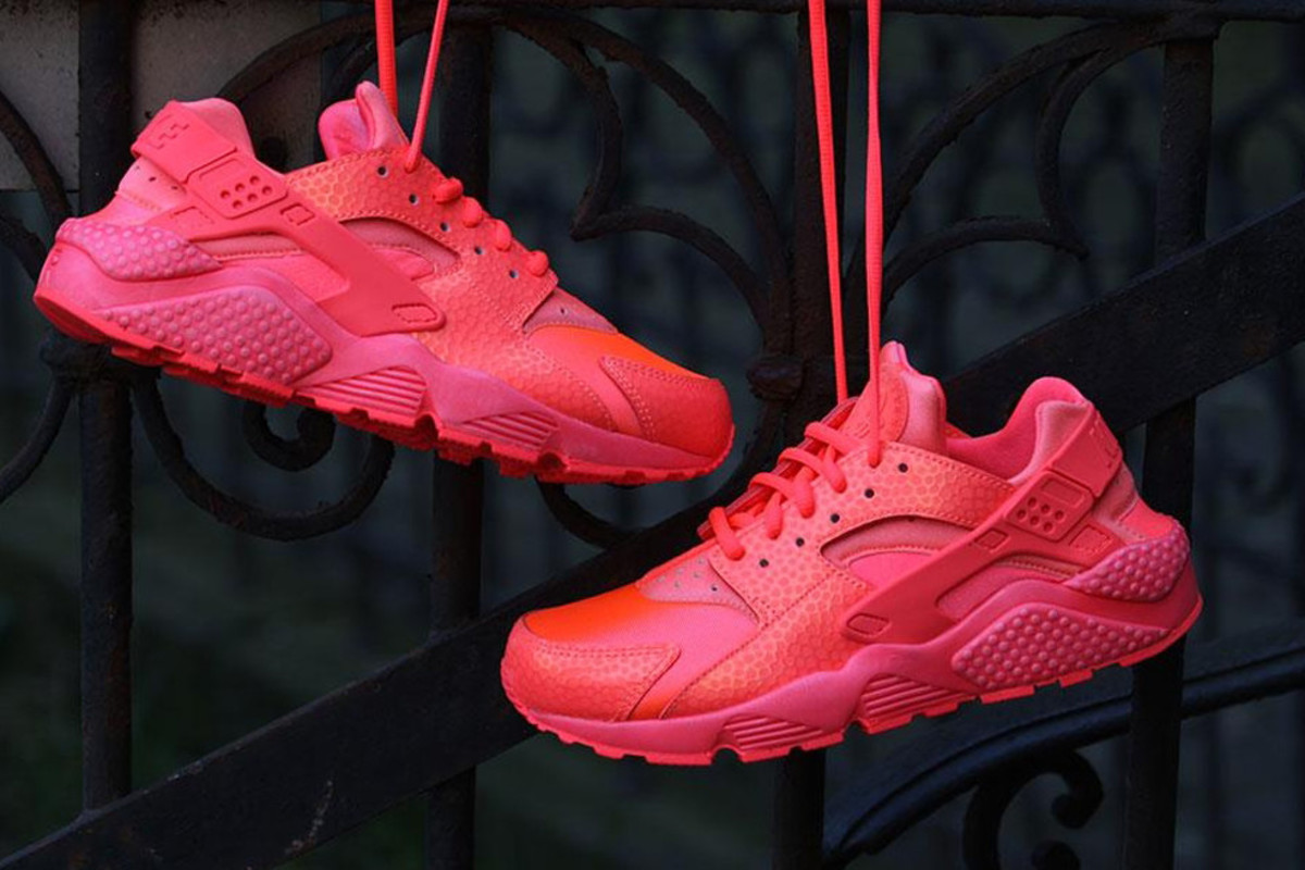 "Air Huarache Run Prm ""Hot Lava"""