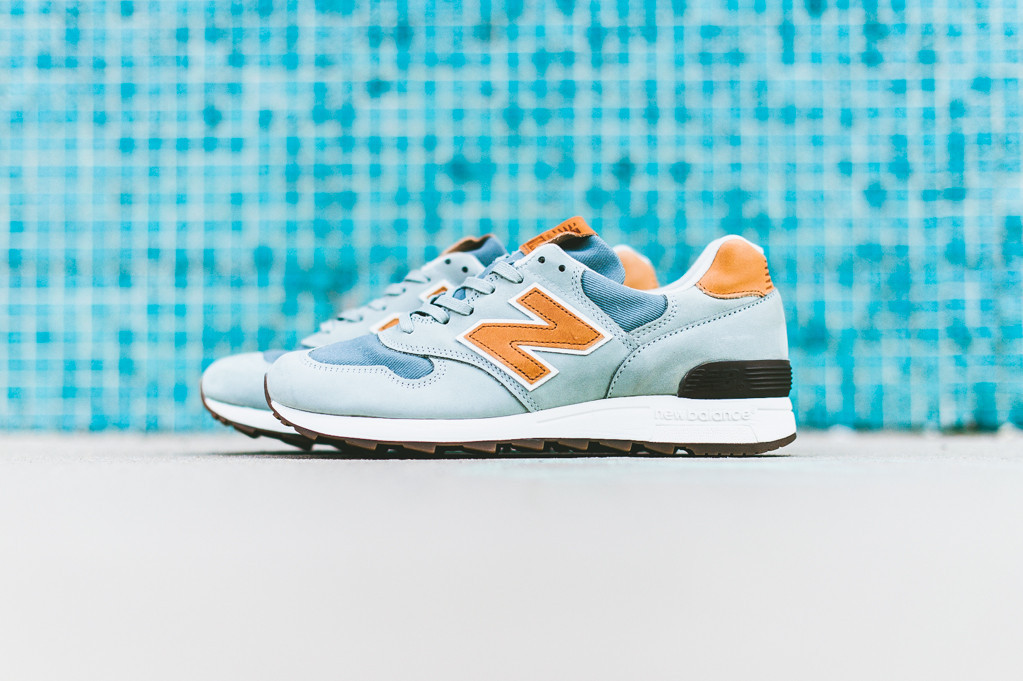 "New Balance M1400DJ ""Distinct"" Jade Coral"
