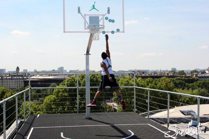 Panneau de Basket Air Jordan sur les toits du Palais de Tokyo