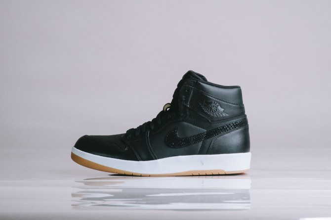 air-jordan-1_5-the-return-black-gum-768861-008