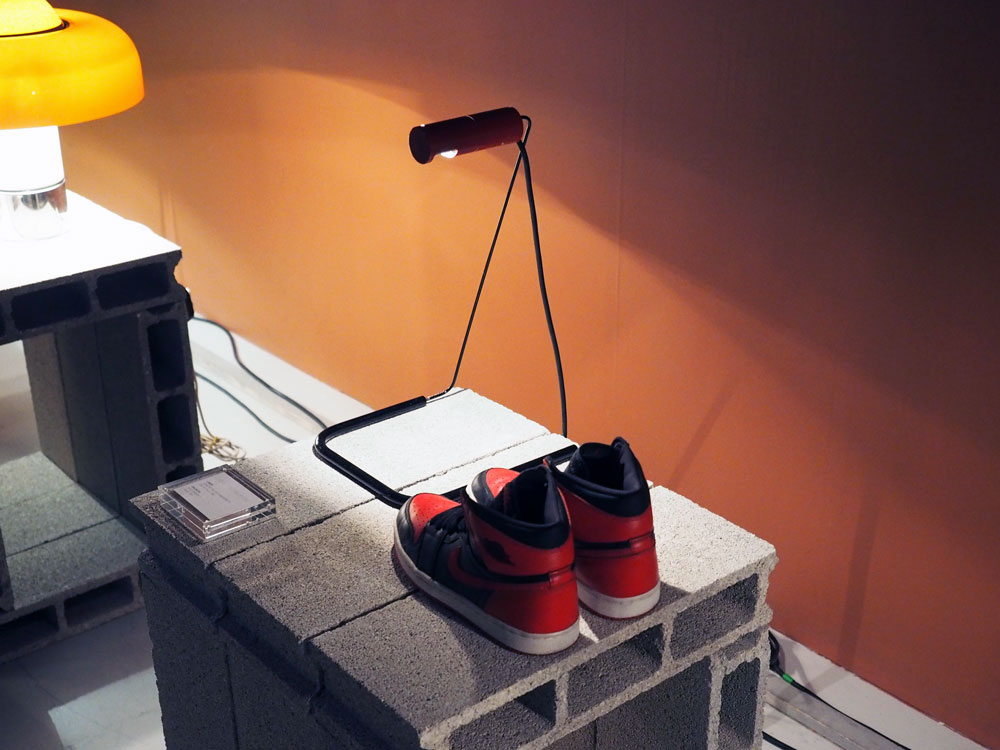 Air-Jordan-1-Bred-Exposition-Light-On-Sneakers