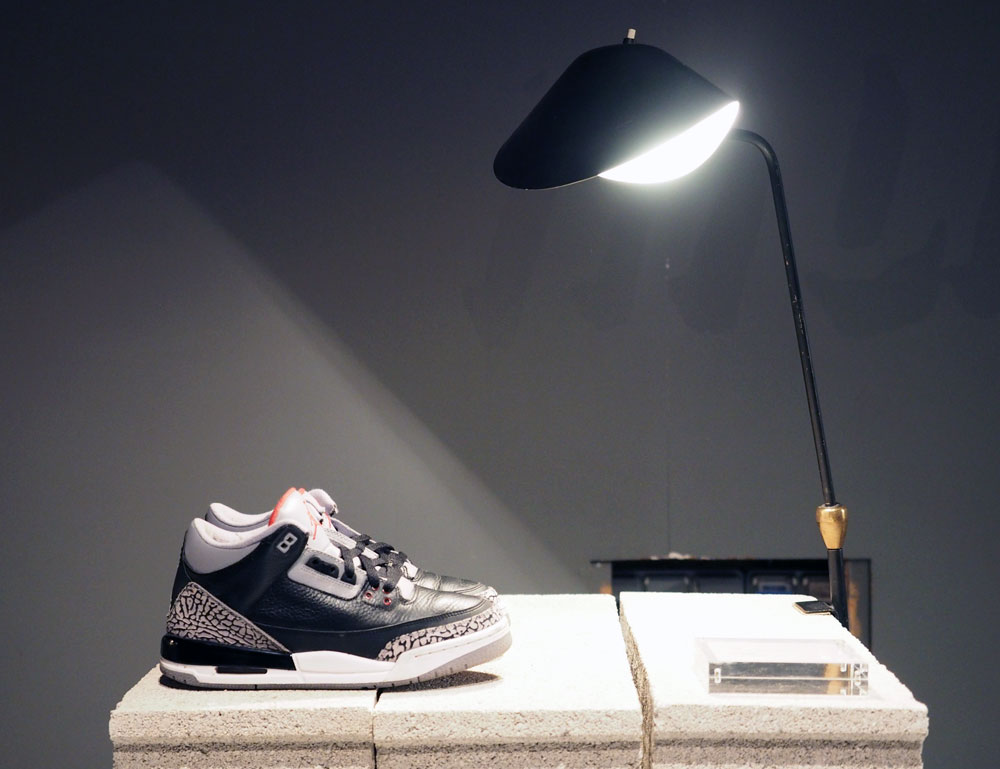Air-Jordan-3-Black-Cement-Exposition-Light-On-Sneakers