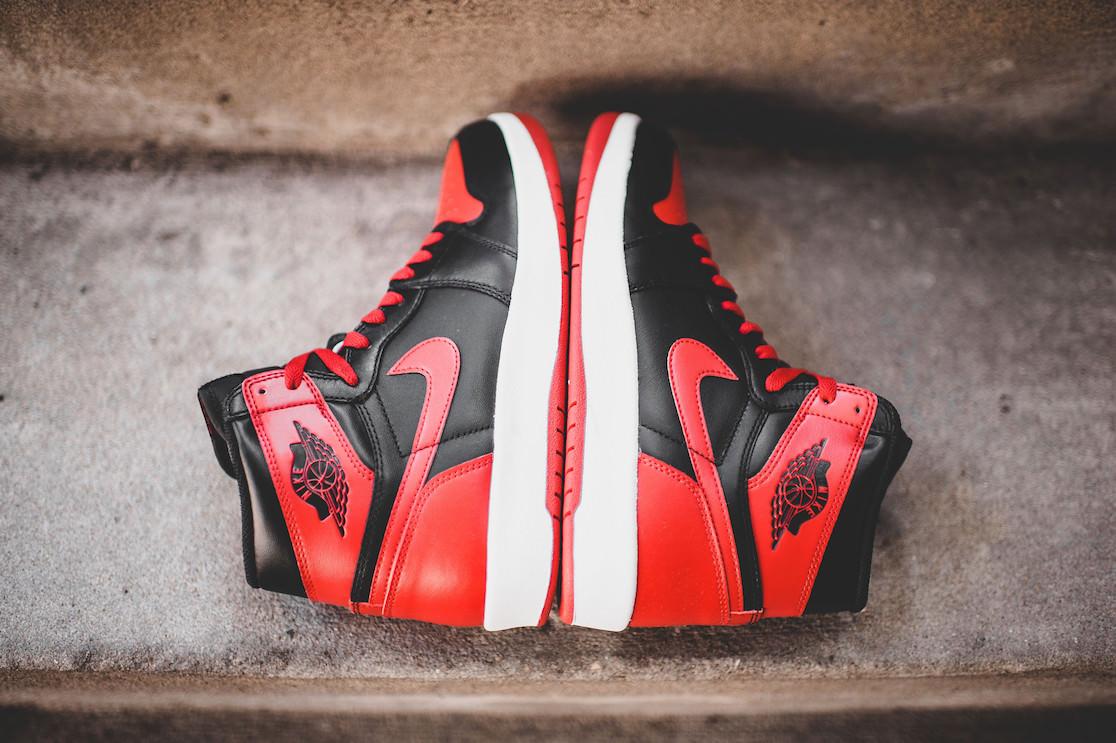 """huge discount 43224 a2563 Air Jordan 1 High """"The Return Black"""" Gym Red – samedi 21 novembre sur le  Nikestore"""