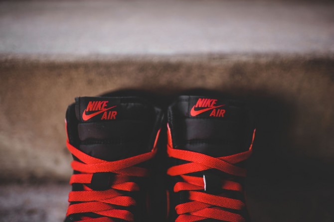Air_Jordan_1_High_The_Return_Black_Gym_Red_Details