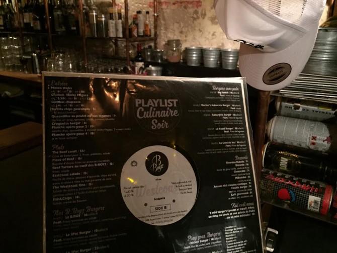 le Menu du restaurant écrit sur un Vinyl