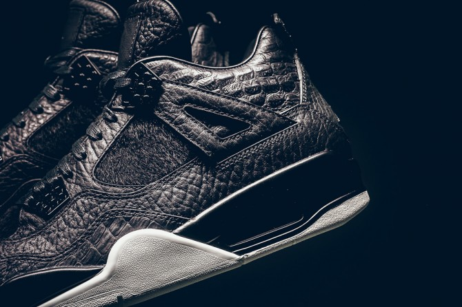 Photo de la Air Jordan 4 Premium Black Pony Hair