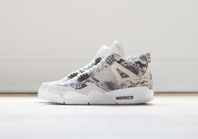 Air Jordan 4 Light Bone White Pure Platinum Wolf Grey