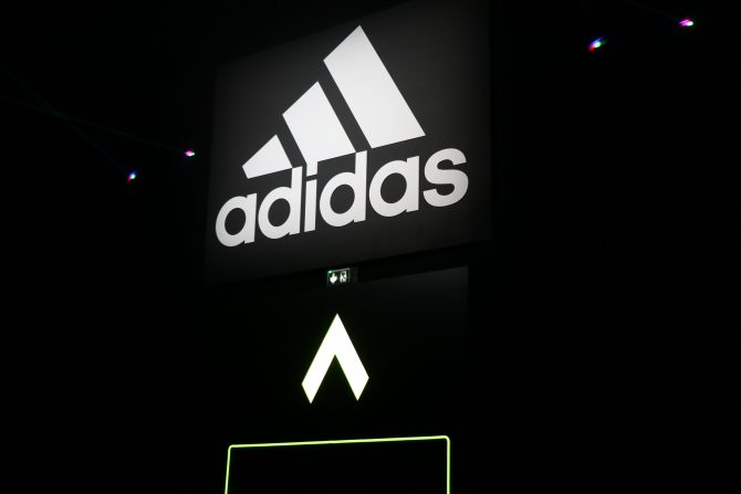 Logo adidas Stadium of Lights