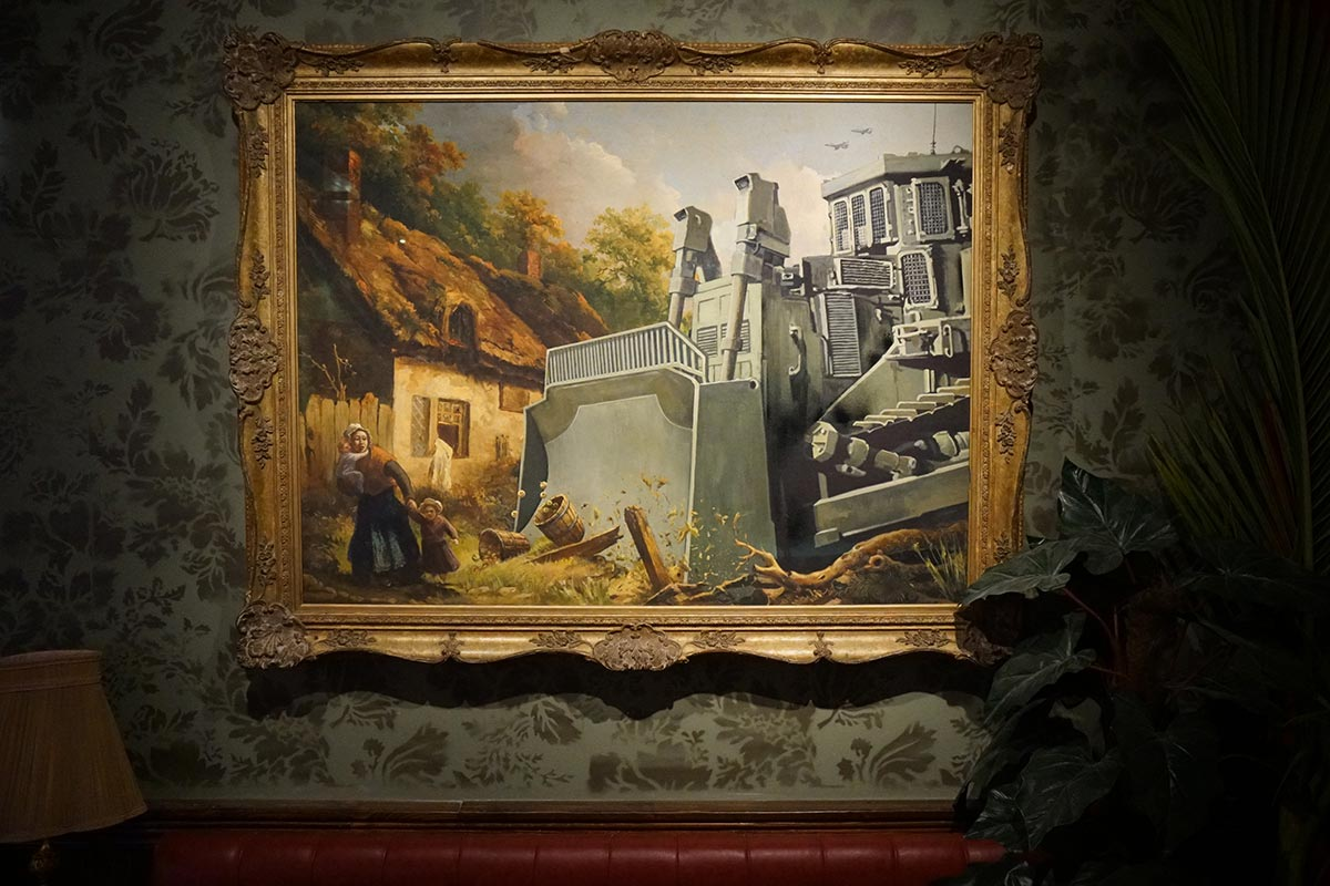 Oeuvre de Banksy Walled Off Hotel